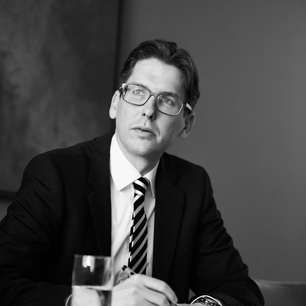 Dr. Lars Firchau